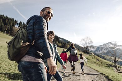 Hiking with the family in the Tyrolean Alps